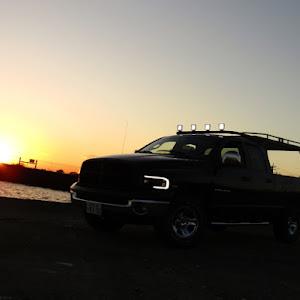 ラム トラック  SLT V8HEMIのカスタム事例画像 吉田重工業さんの2020年11月23日21:56の投稿