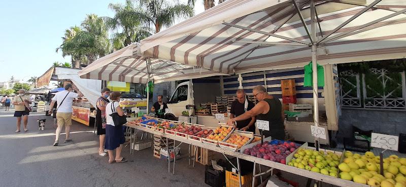 Il mercato della frutta di gocciazzurra