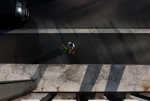 ombre sulla strada di zucco