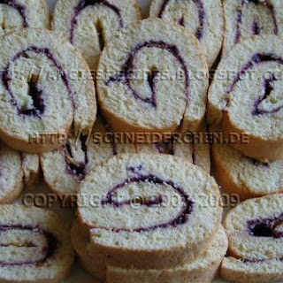 Cassis Biscuit Roulade.