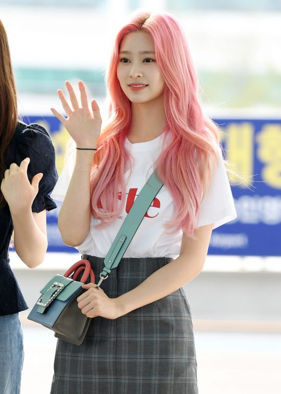 190614_Izone_Kim_Min-joo_Fashion_-_Incheon_airport-1