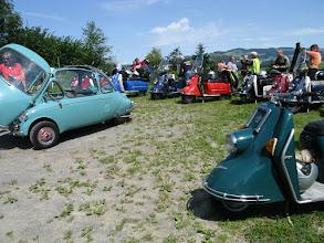 Photo: ..die Kabine aus der Schweiz hat tapfer mit den Rollern mitgehalten..