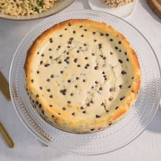 Mascarpone Cannoli Cheesecake.