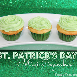 Mini St Patricks Day Cupcakes.
