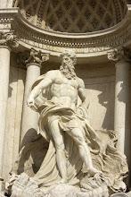 Photo: Trevi Fountain in Rome, Italy