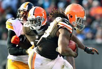Photo: Trent Richardson runs for the go-ahead touchdown. (Chuck Crow, The Plain Dealer)