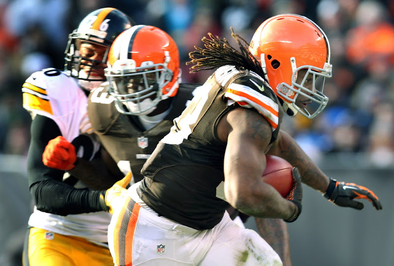 Photo: Trent Richardson runs for the go-ahead touchdown. (Chuck Crow, The Plain Dealer)