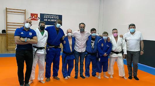 Alumnos de Asalsido practican judo
