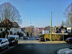 Photo: Ein Blick von oberhalb der Dömbergstraße zurück zur Buscheystraße. Bis auf das Eckhaus hinten nur wenig Spektakuläres zu vermerken.