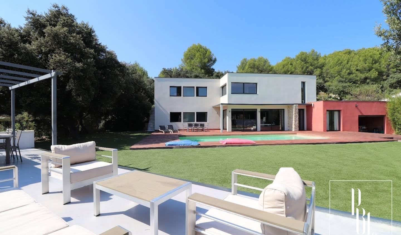 Maison avec piscine et terrasse Marguerittes