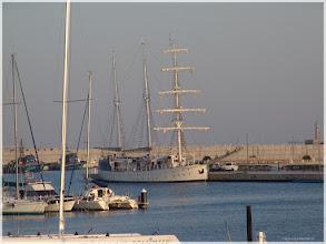 Photo: Puerto de Valencia http://www.viajesenfamilia.it/