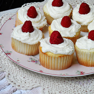Raspberry Filled White Chocolate Buttercream Cupcakes Recipe