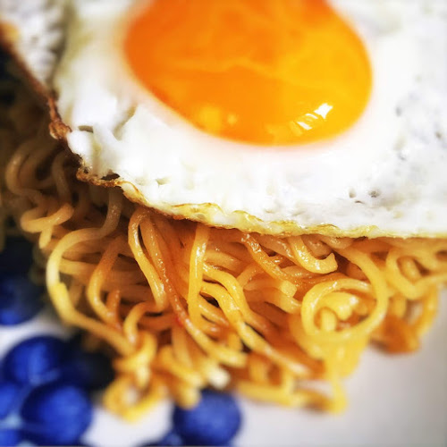 how to cook, how to make, Indomie, Instant Noodles, fried noodles, Mi Goreng, recipe, sunny side egg,