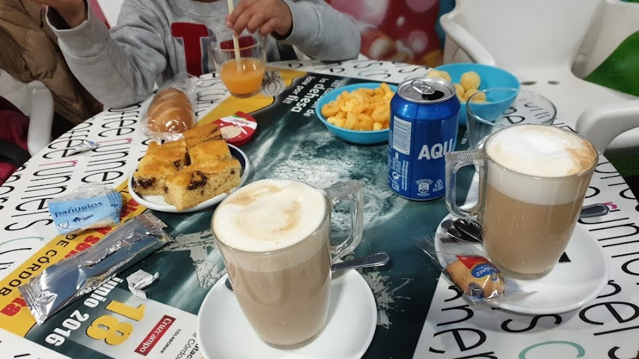 Foto Cafetería Coffee Runners 11