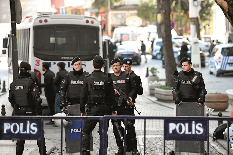 Turkish police cordon off the Blue Mosque area after a blast in Istanbul's Sultanahmet leaves 10 dead. The area is home to Istanbul's biggest concentration of monuments and is visited by tens of thousands of tourists every day. Picture: GALLO IMAGES/AFP/OZAN KOSE