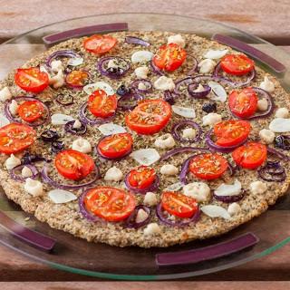 Cauliflower Quinoa Pizza With Cashew Cheese [Vegan, Gluten-Free]