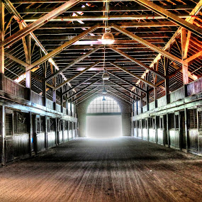 Inside of  Wildwood Farms Horse Stable in Germantown,Tennessee by Billy Morris - Buildings & Architecture Other Interior ( billy mooris )