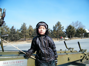 Photo: family traveled to Qiqihar Peace Square, as part of dining out plan bimonthly. benzrad, the dad, proposed and started to accompany dearest son from now on. the square on the western part of the city and enjoy fresh suburt air and scene. warrenzh 朱楚甲, the son, enjoys it.