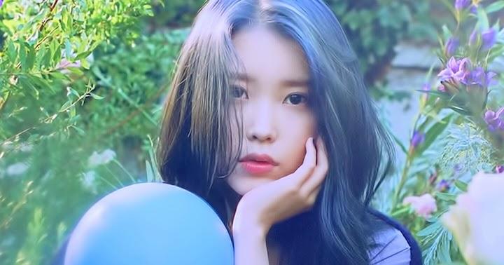 Tình bạn ngọt ngào của IU và Yoo In NA: Cô ấy xuất hiện 30 phút trước giờ biểu diễn của tôi cùng với 50 cây kem ảnh 0