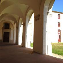 Photo: Les arcades de la cour des Rouges