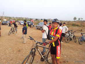 Photo: Cleated Warriors capatain arrives on his Merida Crossway.. This legendary bike is up for sale if anyone wants it! :)