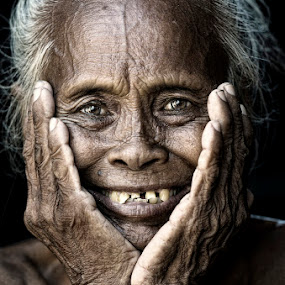 My Smile by Mata Arif - People Street & Candids