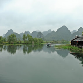 Moutains by Jordan Toh - Novices Only Landscapes ( water, green, boats, moutains, lake, guilin )