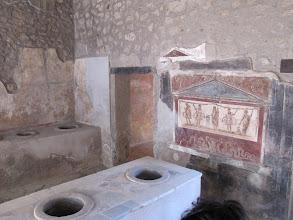 Photo: It.s3S232-141007Pompéï, site archéo, bar et fresque  IMG_5531