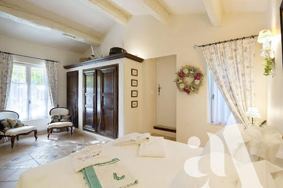 Vente propriété 11 pièces 450 m2