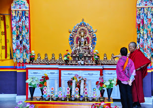 Photo: On May 12. 2014, His Holiness Menri Trizen Rinpoche gave Jetsun Ma a personal tour of the Medicine Buddha Shrine located at the 7th floor of the Sowa Rigpa Medical Institute before the grand opening day.