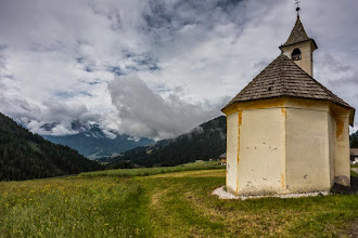 Photo: Church of Gandelle from Trail 25 in Valle San Silvastro, Dolomiti, Italy | http://blog.kait.us/2014/06/hiking-dolomites.html