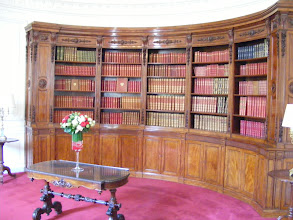 Photo: The library is the only remaining room of the private apartments of Napoleon III. It was used as an office by the presidents of the Fourth Republic, then later converted into a library by President Giscard d'Estaing.