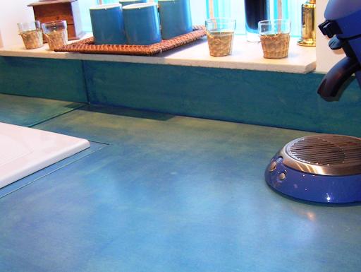 plan de travail béton ciré ancien carrelage rénovation facile cuisine Les Bétons de Clara