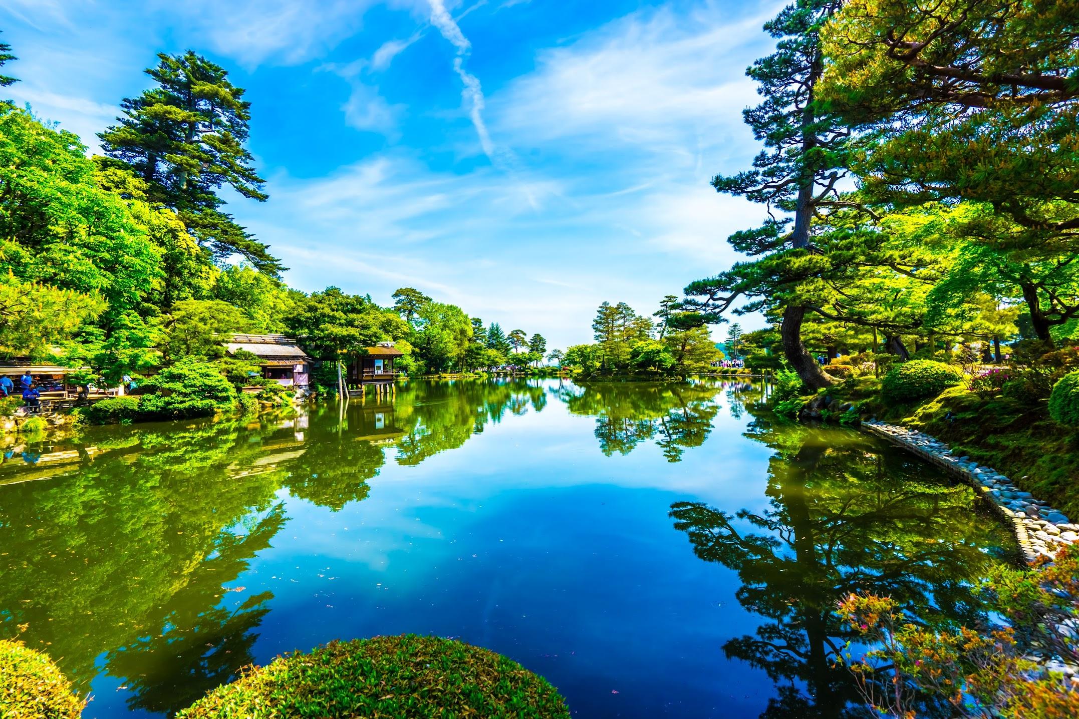Kenrokuen Garden Kasumiga-ike Pond1