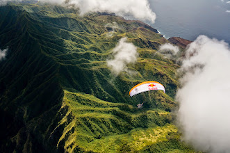 Photo: Discovering the Fatu Hiva island from above in paramotor
