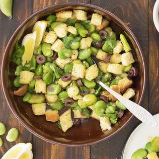 Fresh fava bean salad and a fava spread – Vegan.
