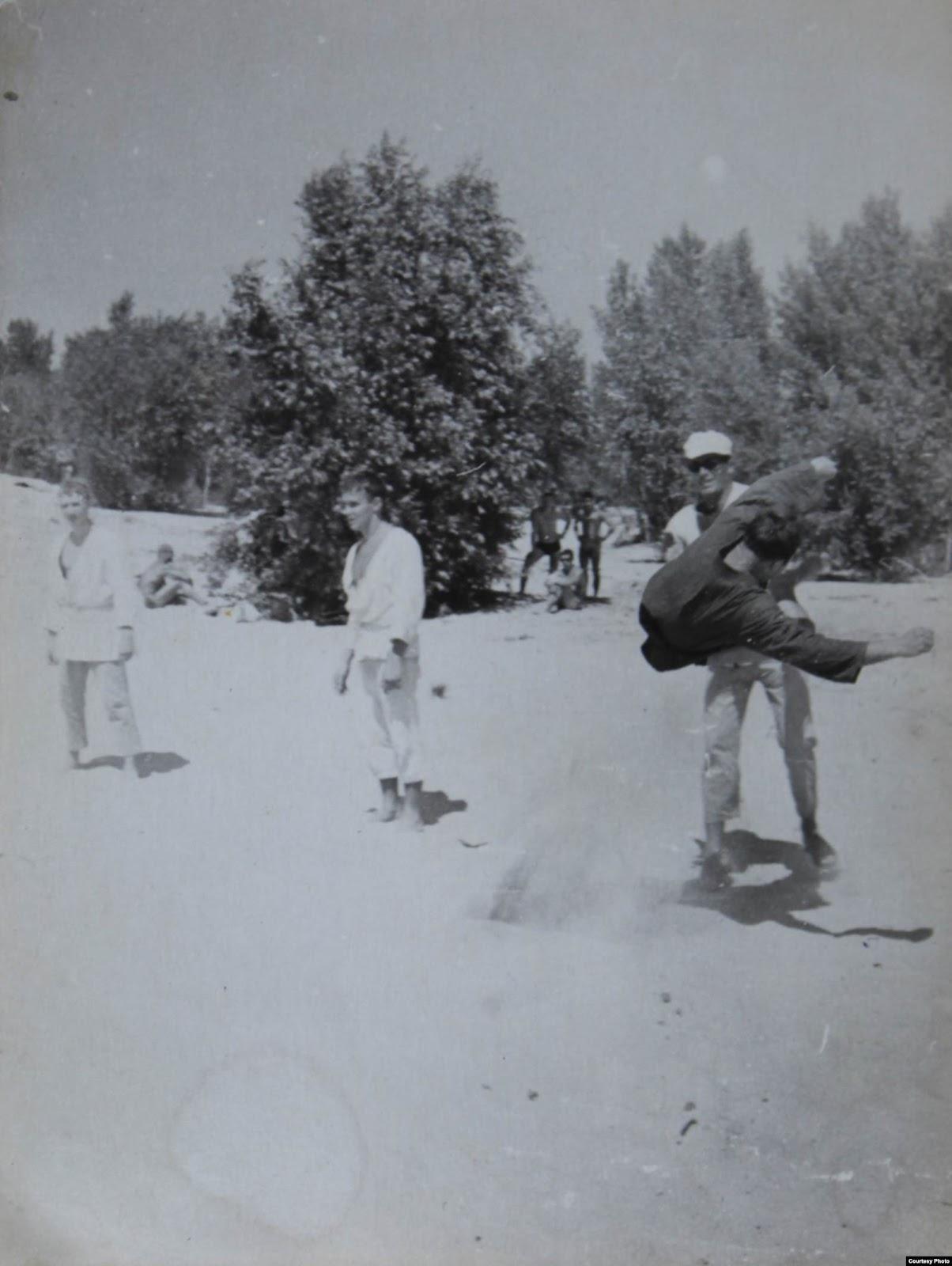 Тренировка на киевском пляже. Фото из личного архива Рудольфа Каценбогена