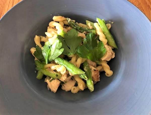 Chicken Tarragon Pasta With Asparagus