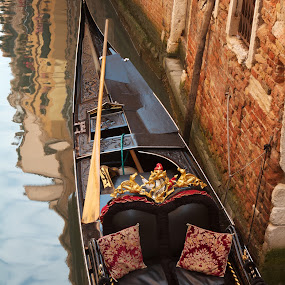 At the Ready by Kim Wilson - City,  Street & Park  Historic Districts ( water, vertical, building, reflection, docked, decorative, architecture, city, gondola, moored, venice, scene, italy )