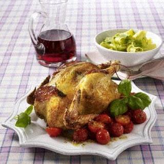 Hähnchen mit Pesto-Bandnudeln, Parmaschinken und Paprika