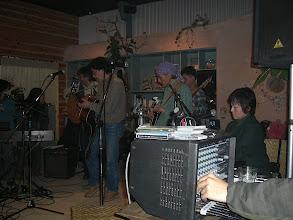 Photo: 「カササギの歌」を歌うマスター w/friends