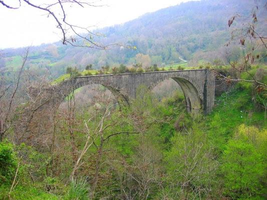 Ponte in disuso di victor76