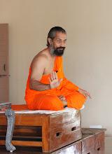 Photo: Pujya Swami Nijanandji taking class