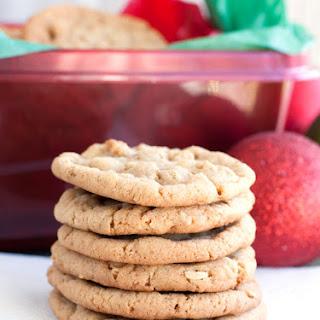 Chewy Cinnamon Oatmeal Cookies.