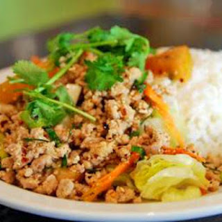 Larb Gai - Thrilling Thai Chicken Salad!.  D.Schmidt for About.com