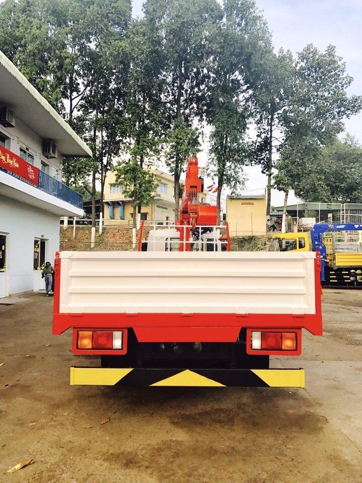 D:\HỢP DỒNG\Pictures\HYUNDAI\CẨU\hình xe cẩu hyundai\HD210\KANGLIM 6 TẤN 5 KHÚC\xe-tải-hyundai-14-tấn-hd210-gắn-cẩu-kanglim-5-tấn-6-tấn-model-ks1056 (2).jpg