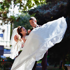 Wedding photographer Vladimir Revik (Revic). Photo of 10.02.2014