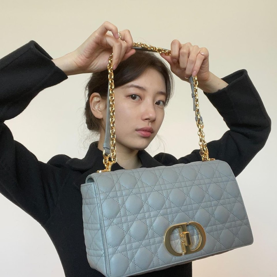 suzy with one of her dior bags