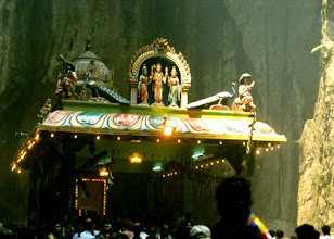 Photo: Batu Caves (festa indu' Thai Puisam)