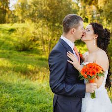 Wedding photographer Olesya Yarceva (sonyalisa). Photo of 14.12.2013